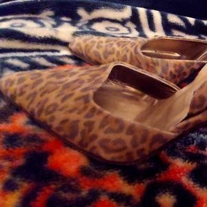 Ladies size 10 M Via Spiga 4 inch Heels